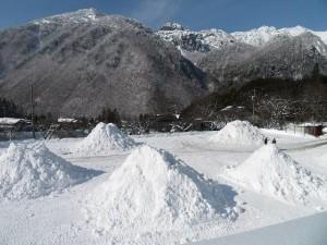 雪山づくり